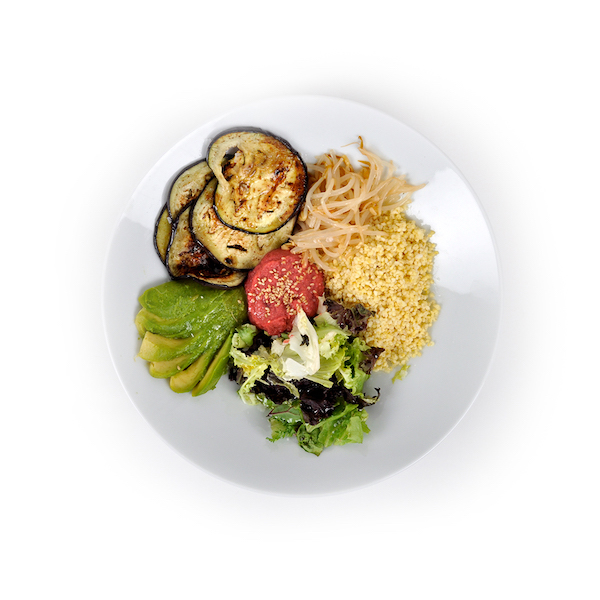 Humus de remolacha, pollo y verduras